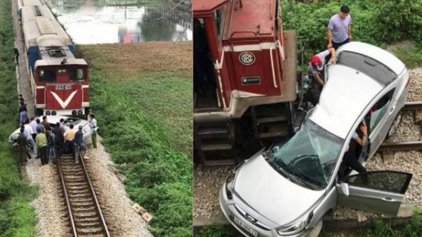 """Hiện trường vụ ô tô bị tàu hỏa đ.âm ngang, nát bét, nguyên nhân cũng vì """"cố nhanh vài phút"""""""