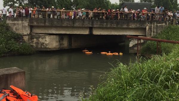 Bị bố mẹ trách mắng, nữ sinh lớp 8 dựng hiện trường giả nhảy sông t.ự t.ử
