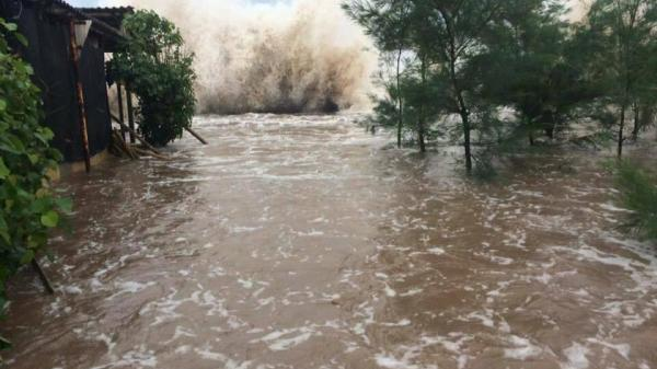 Ảnh hưởng của bão số 10, các tỉnh duyên hải Bắc Bộ ngập lụt