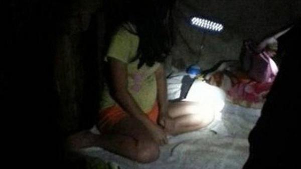 Ở nhà một mình, bé gái 5 tuổi bị gã xe ôm đi ngang qua giở trò đ.ồi b.ại