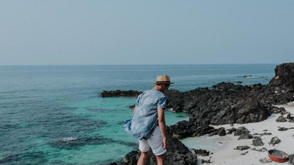 Cứ tưởng chụp ở nước ngoài, ai ngờ vùng biển trong vắt này lại chính là biển Lý Sơn - Quảng Ngãi