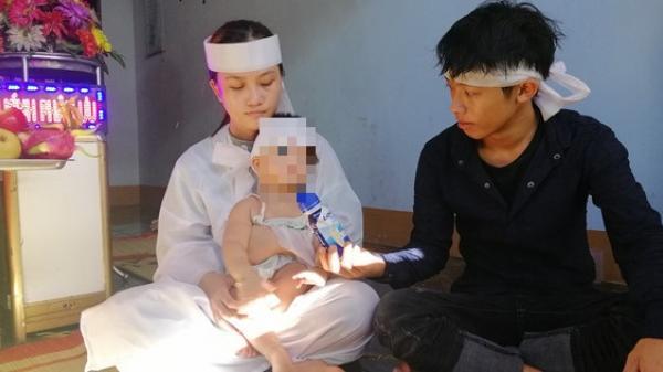 Người cha bị CSGT tông tử vong: Xót xa vành khăn trắng trên đầu con thơ còn chưa thôi nôi