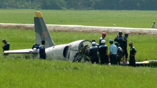 Máy bay quân sự bất ngờ bị rơi, 2 phi công tử nạn
