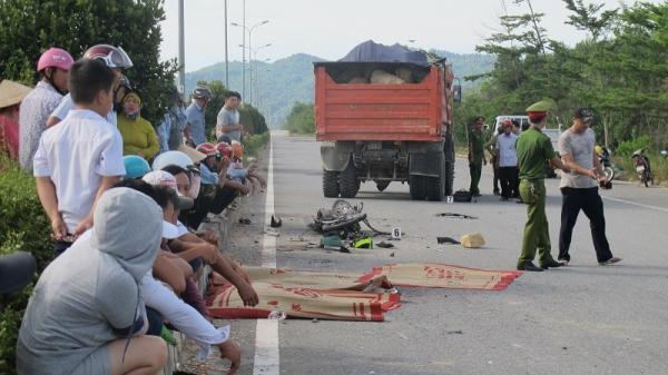 Thương tâm: Bị xe ben hất văng hàng chục mét, nam công nhân nghèo chết thảm trên đường đi làm về