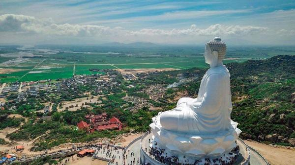 Chiêm ngưỡng tượng Phật ngồi cao nhất Đông Nam Á tại Bình Định