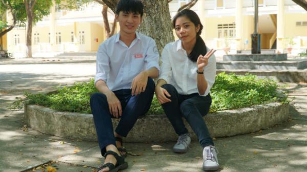 Cặp đôi thủ khoa trường làng học chung lớp tại Quảng Ngãi: Không dùng điện thoại, chăm học tới mức làm mẹ mất ngủ