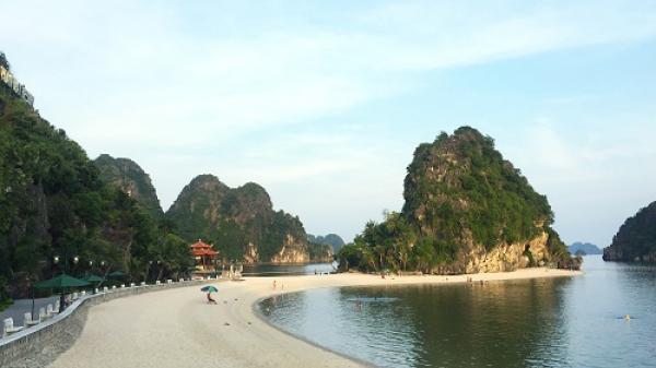 Không phải Cô Tô hay Quan Lạn, bãi tắm Lương Ngọc mới là điểm đến lý tưởng khi du lịch Quảng Ninh