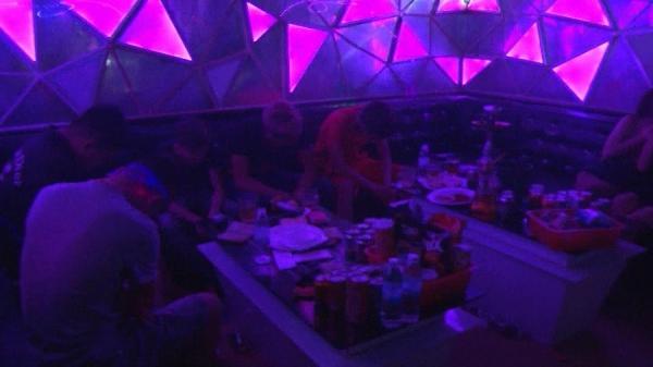 TT-Huế: Đột kích quán karaoke lúc 2h sáng, phát hiện 46 đối tượng dương tính m.a t.úy