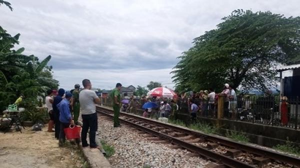 Băng qua đường sắt, một người đàn ông bị tàu hỏa đ.âm t.ử v.ong