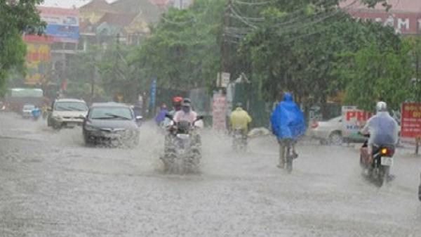 Áp thấp nhiệt đới gây mưa lớn diện rộng các tỉnh Quảng Ninh - Hải Phòng