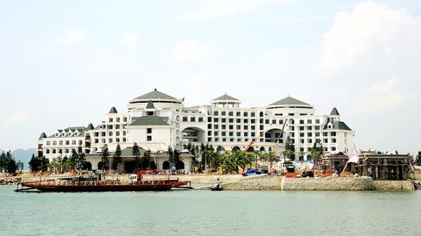 Những khách sạn 5 sao đẹp ngây ngất ở Quảng Ninh