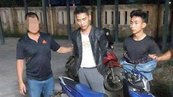 Hai nghi phạm gi.ết tài xế Grabbike ung dung ngồi uống r.ượu khi bị bắt