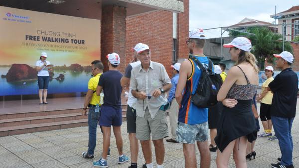 Ra mắt tour du lịch đi bộ miễn phí đầu tiên tại Quảng Ninh
