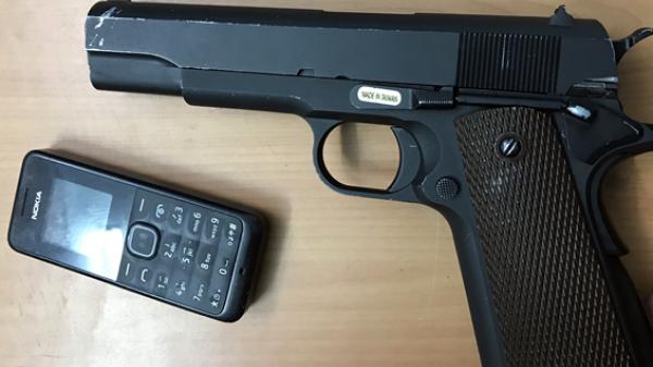 Quảng Ninh: Người đàn ông khai nhặt được khẩu súng gần khách sạn Biển Bắc
