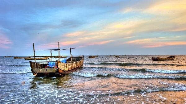 """Khám phá những cái """"nhất"""" đầy ấn tượng của bãi biển địa đầu Tổ quốc- Trà Cổ, Quảng Ninh"""