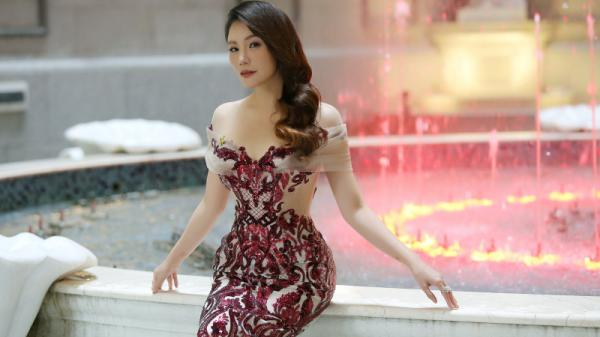 """Nữ ca sĩ Quảng Ninh - Hồ Quỳnh Hương: """"Tôi sexy cũng chỉ là vẻ bề ngoài"""""""