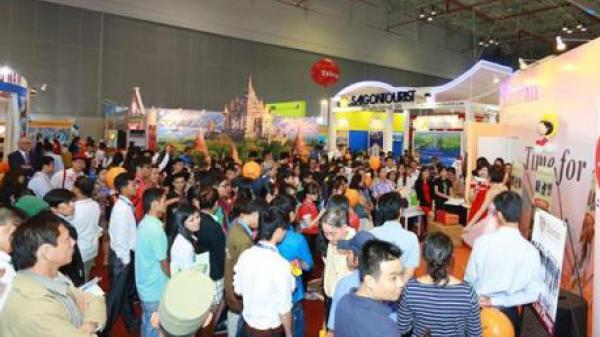 Tưng bừng hội chợ du lịch quốc tế Việt - Trung (Móng Cái - Đông Hưng) năm 2017