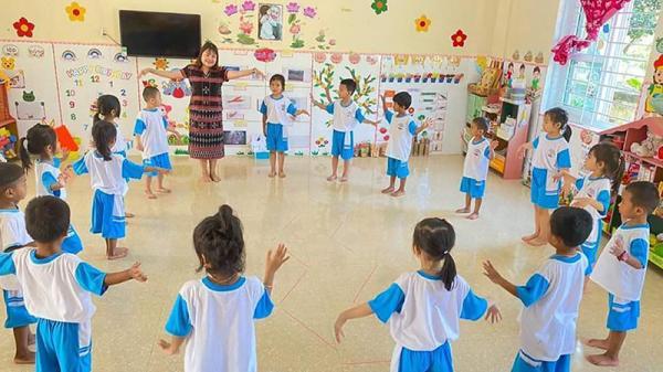 Cô giáo vùng cao Quảng Trị tận tụy với nghề nuôi dạy trẻ