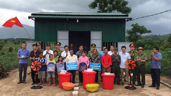 Xây tặng nhà ở cho hộ nghèo miền núi Quảng Trị