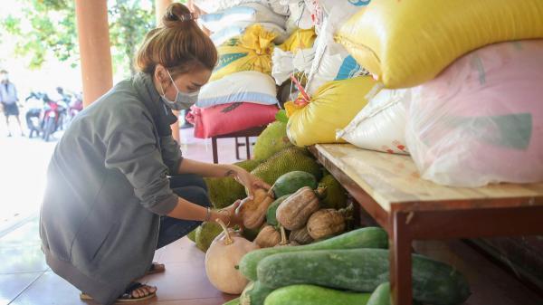 Triệu Phong: Tăng ni, phật tử và Nhân dân ủng hộ 20 tấn nông sản cho vùng dịch Thành phố Hồ Chí Minh