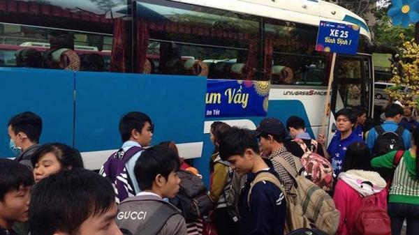 Tặng 1.000 vé xe cho công nhân về Tết
