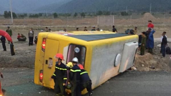 Ban ATGT Quảng Trị hỗ trợ gia đình nạn nhân vụ lật xe khách