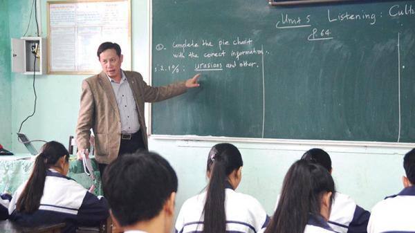 Trở thành giám khảo tiếng Anh quốc tế từ giáo viên tỉnh lẻ