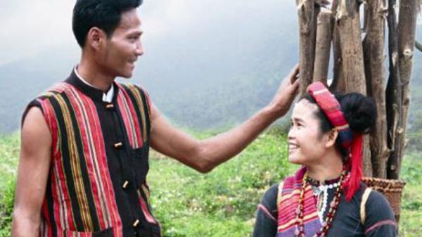 Quảng Trị: Tập tục đi sim- nét đẹp văn hóa của người Vân Kiều
