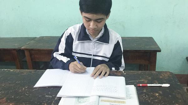 Nghị lực của cậu học trò nghèo hiếu học ở thị xã Quảng Trị