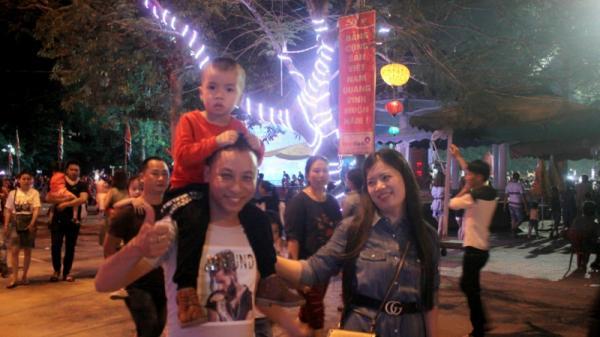 Đặc sắc tuyến phố lễ hội bên dòng sông Thạch Hãn