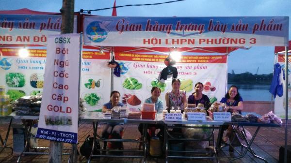 """""""Tuyến phố lễ hội"""" tại thị xã Quảng Trị thu hút hơn 60 nghìn lượt du khách"""
