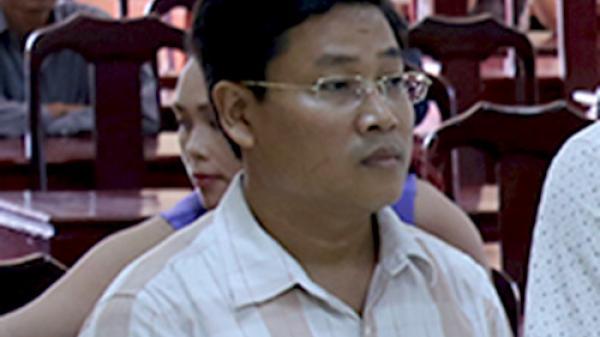 Quảng Trị: Cách chức Bí thư phường đánh bạc, nhảy lầu trốn công an