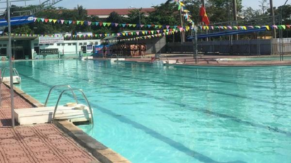 Quảng Trị: Đi bơi cùng gia đình, học sinh lớp 1 bị đuối nước thương tâm tại bể bơi