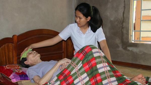 Khó khăn bủa vây hai đứa trẻ mồ côi ở Cam Lộ
