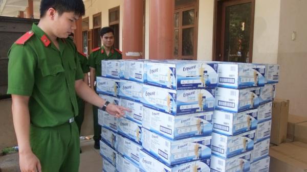 Quảng Trị: Bắt giữ ô tô chở 1.200 hộp sữa Ensure không rõ nguồn gốc