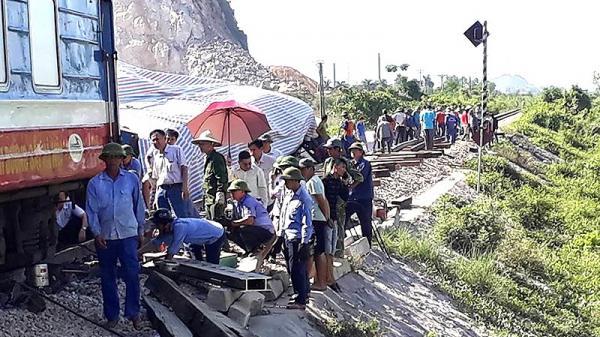 Khởi tố 2 nhân viên gác chắn vụ lật tàu ở Thanh Hóa