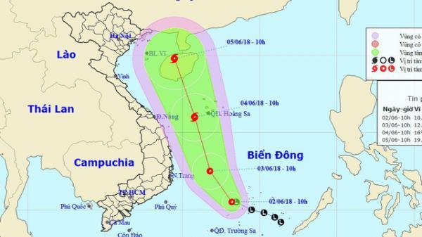 Áp thấp nhiệt đới di chuyển nhanh và mạnh, nhiều tỉnh miền Trung cấm biển