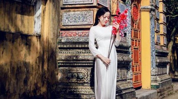 Nữ sinh xinh như búp bê, nổi tiếng Đại học Tài chính Kế toán Quảng Ngãi