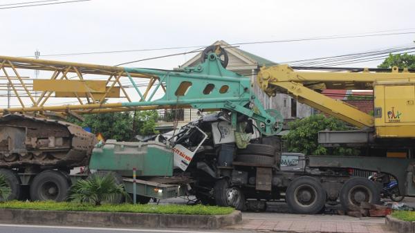 Hai xe đầu kéo Hải Sơn đâm nhau tại ngã tư QL1 Quảng Trị