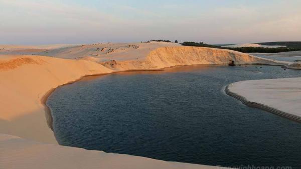 Về Đồi cát Vĩnh Trung ngắm cảnh đẹp mê hoặc, ăn đặc sản hấp dẫn