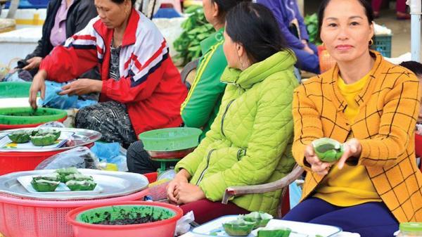 Người Quảng Trị có món ăn chơi cực lạ: bánh đúc rau câu chấm với ruốc