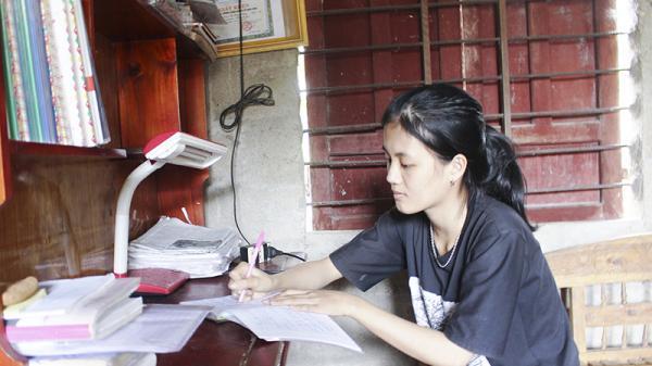 Giấc mơ giảng đường của những tân sinh viên nghèo Quảng Trị