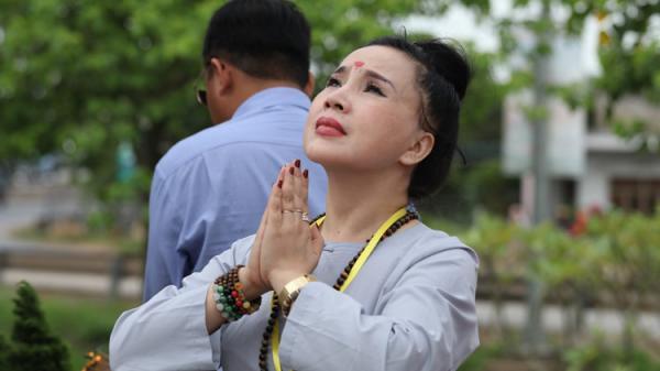 """NSND Lan Hương: """"Tôi không mê tín nhưng sống rất tâm linh"""""""