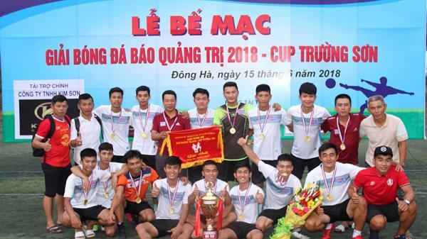 Tiền vệ tài hoa của bóng phủi, phong trào ở Quảng Trị