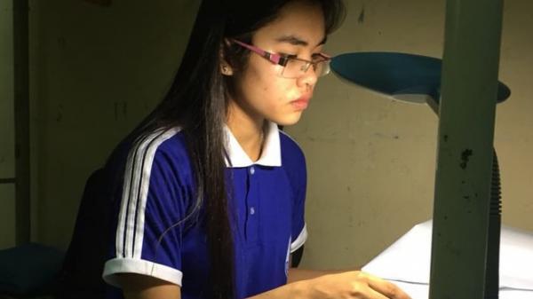 Quảng Trị: Trúng tuyển đại học, nữ sinh người Vân Kiều rơi nước mắt vì nhà nghèo