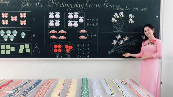 Cô giáo trường Trưng Vương Quảng Trị lại trổ tài làm đồ dùng dạy học đẹp như tranh khiến học sinh mê mẩn