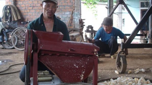 Người thợ sửa xe đạp ở Quảng Trị sáng chế ra máy tách ngô, c.ắt sắn