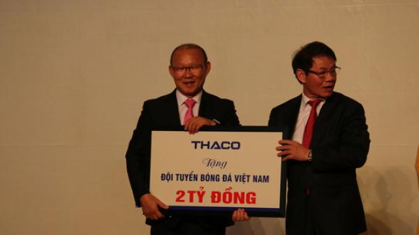HLV Park Hang-seo tặng 100.000 USD tiền thưởng cho trẻ em nghèo, bóng đá trẻ Việt Nam