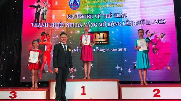 Tài năng dance sport của cô bé Quảng Trị