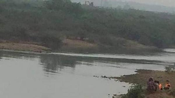 Quảng Trị: Điều tra vụ tài xế xe ôm ch ết bất thường trên sông Hiếu